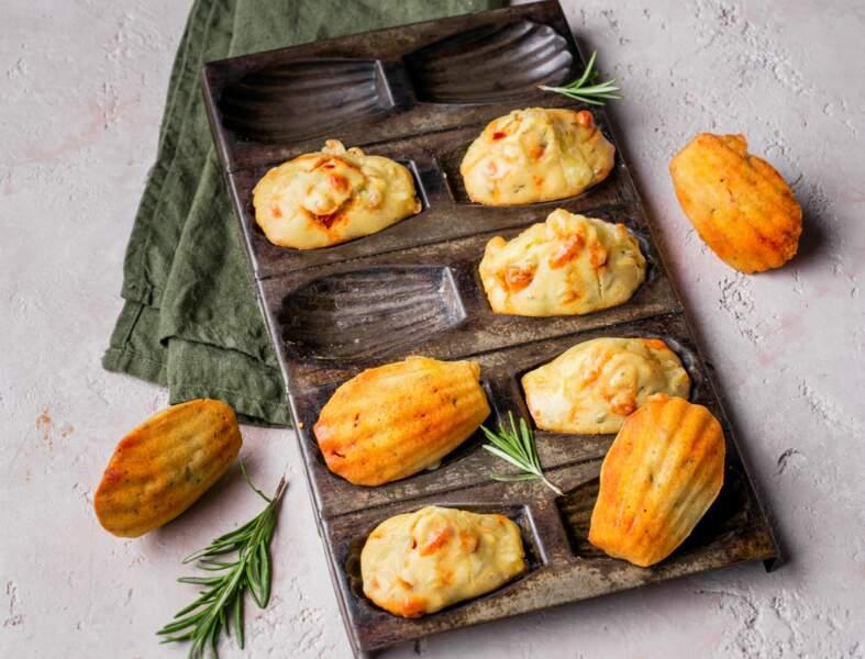 Madeleines au fromage à raclette, chorizo et romarin