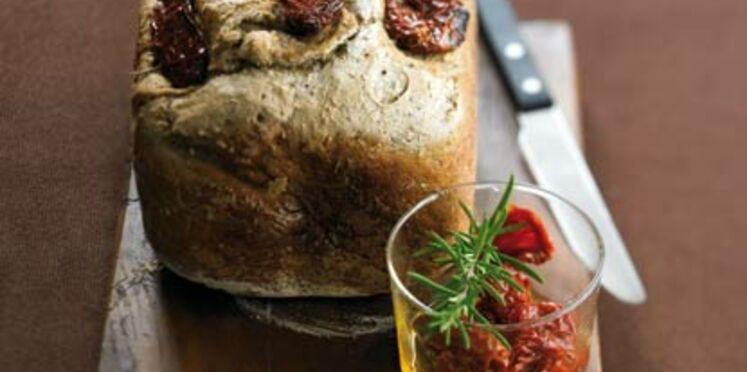Pain aux herbes de Provence et aux tomates séchées