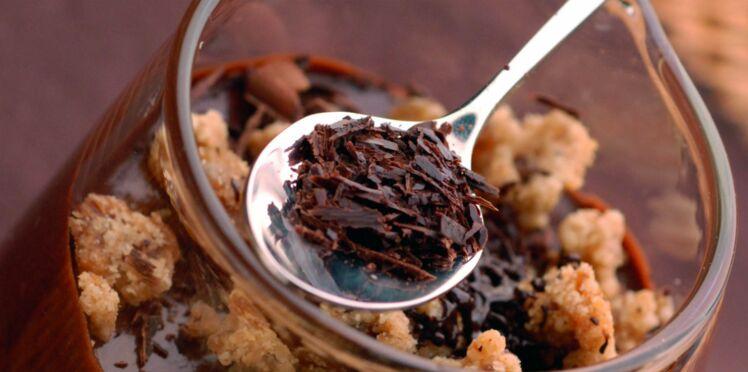 Mousse au chocolat et son crumble