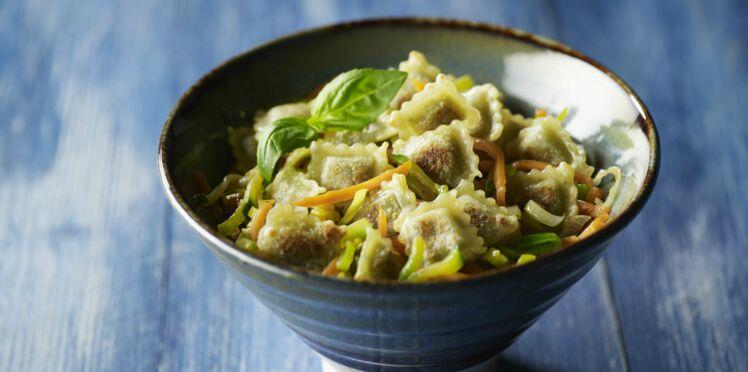 Julienne de légumes ravioles au basilic