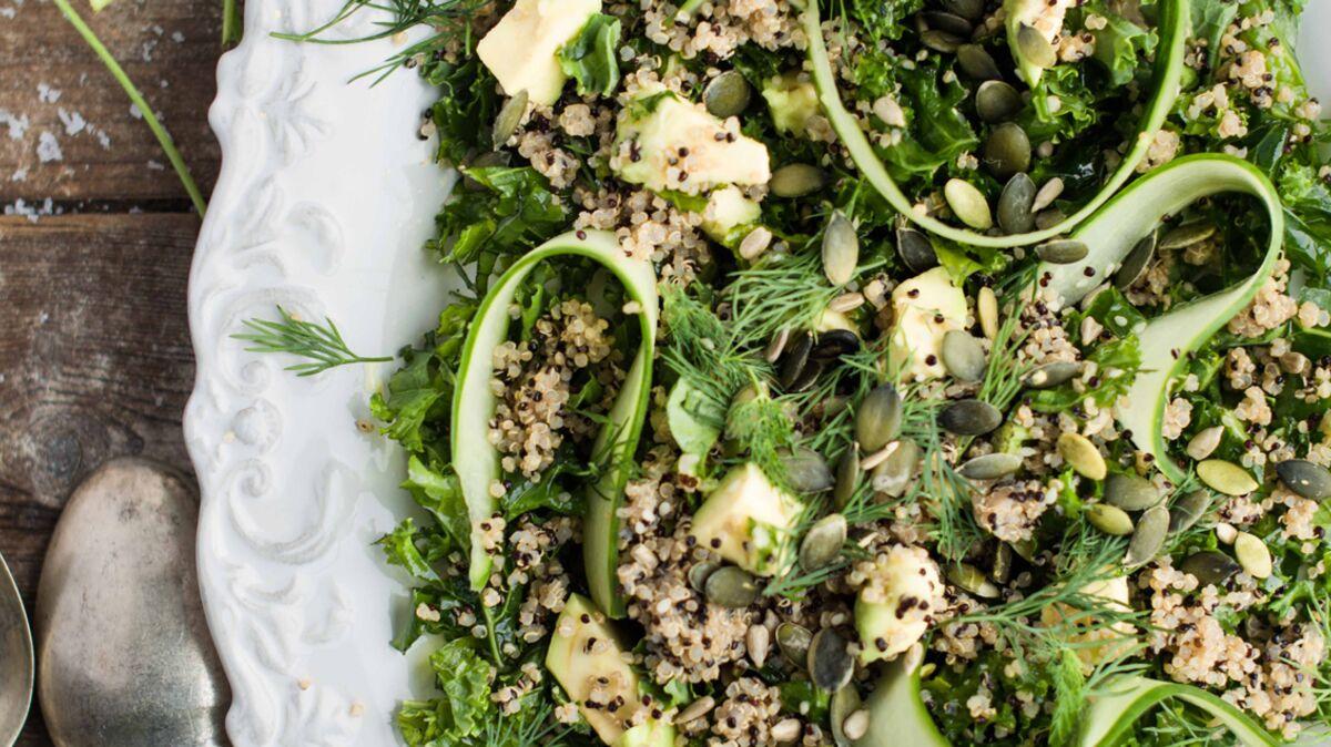 Salade verte, avocat, aneth et quinoa