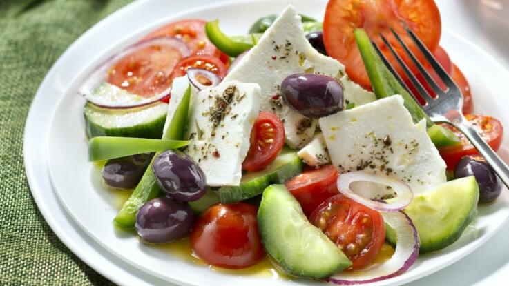 Mozza, feta, Comté… nos meilleures recettes de salades avec du fromage
