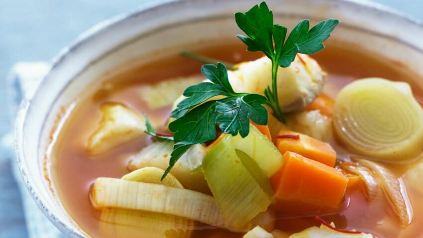 Soupe de poisson aux poireaux et carottes