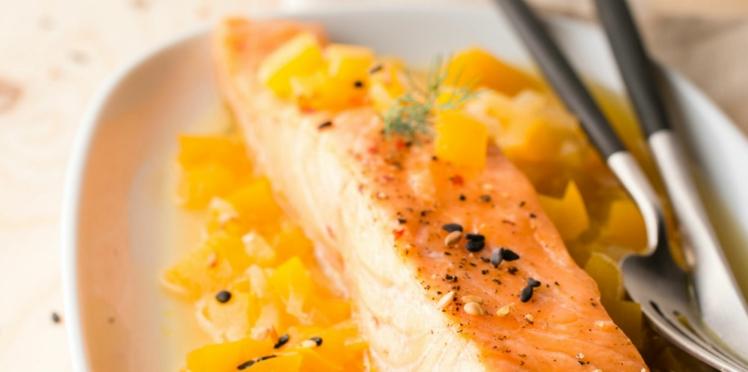 Saumon rôti sur un lit de mangue