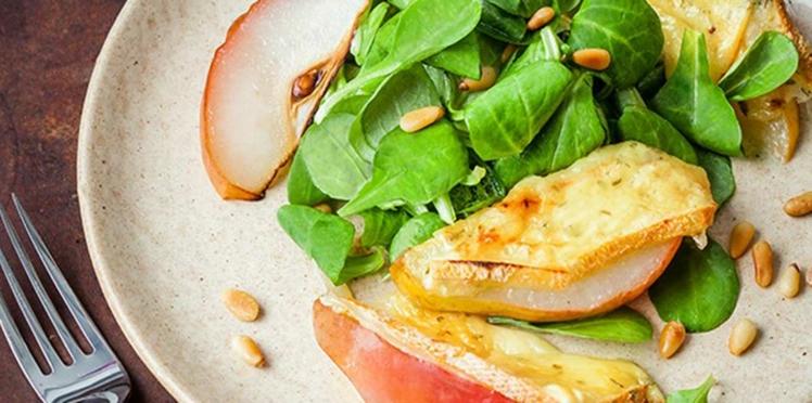 Salade de poires  à la raclette Ail & Fines Herbes RichesMonts