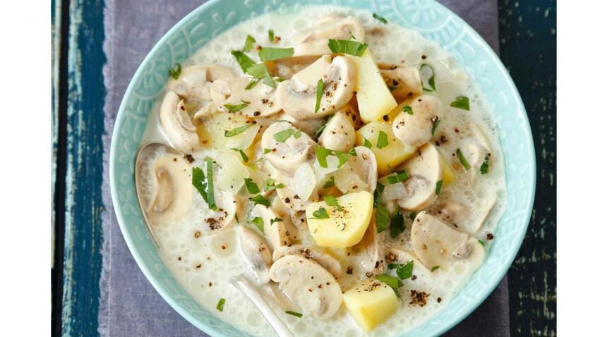 Soupe aux champignons et petites tartines de cheddar à l'anglaise