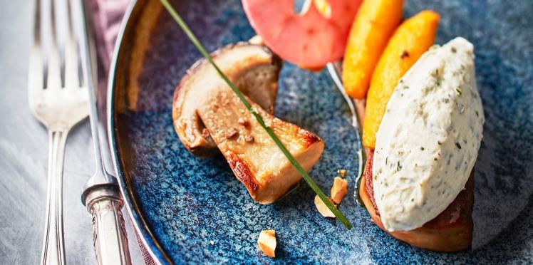 Foie gras poêlé, Tartare® Ail Sauvage, cèpes et pommes caramélisés
