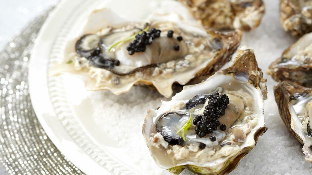 Huîtres et caviar en gelée iodée