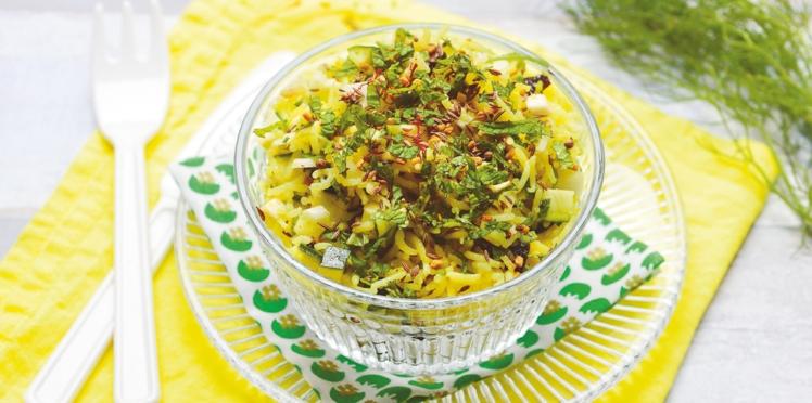 Salade de riz vegan au safran et légumes marinés