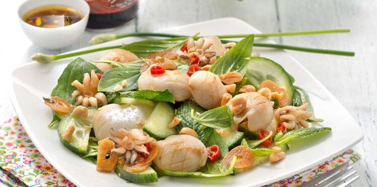 Salade calamars grillés, sauce soja et basilic thaï