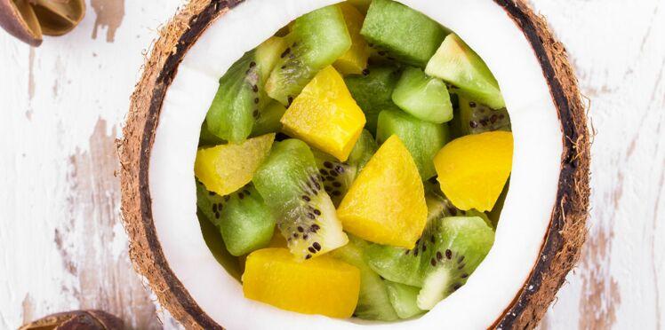 Salade de mâche au kiwi et aux noix