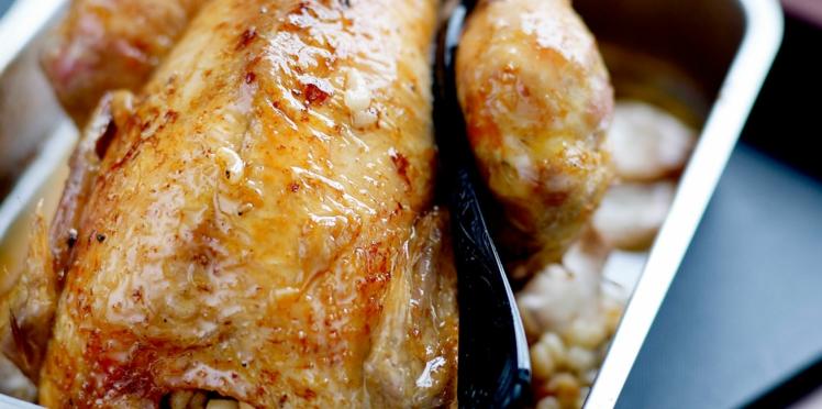 Poulet farci aux coquillettes et foie gras