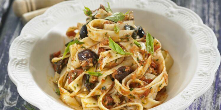 Pasta pezoti, les penne sauce tomate anchois