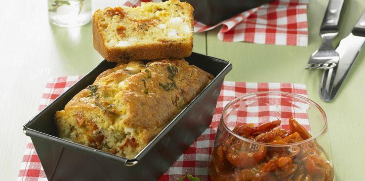 Cake aux tomates séchées et à la feta