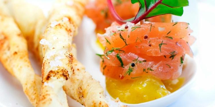 Gravlax de saumon, coulis de mangue