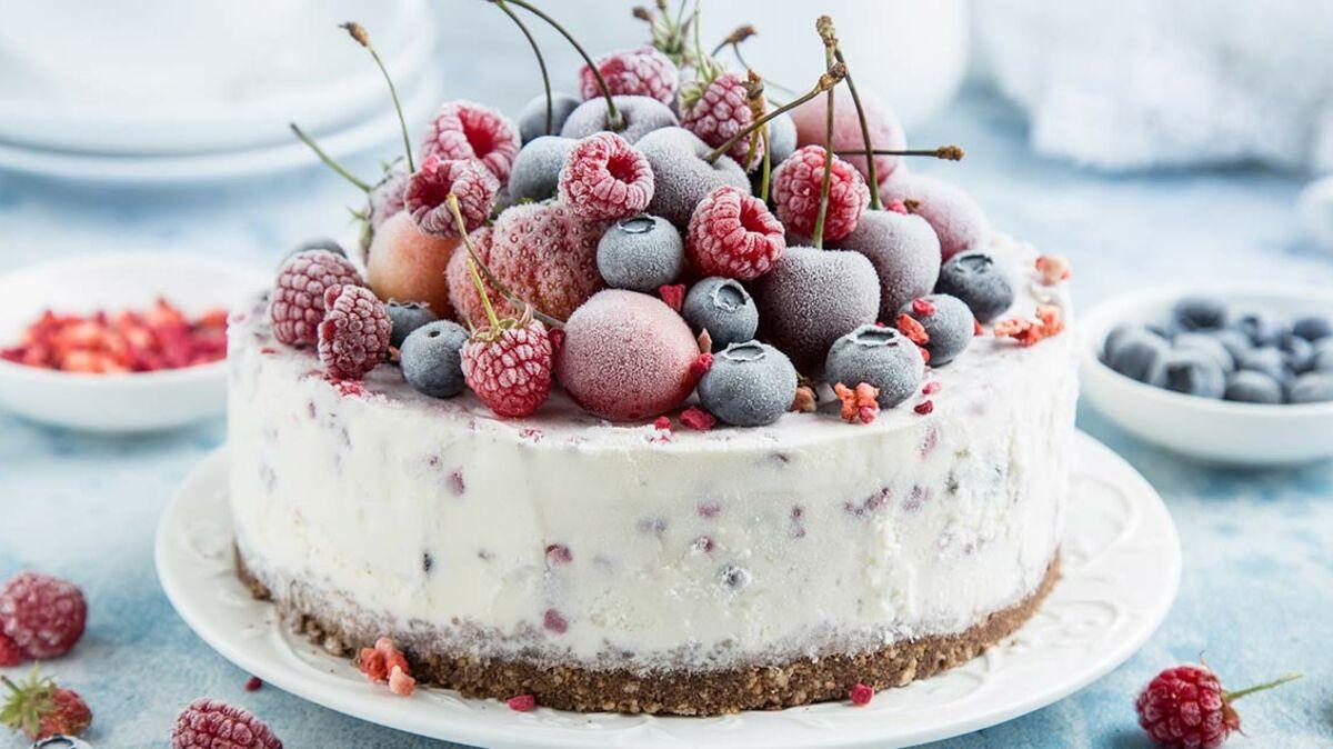 Gâteau glacé aux fruits rouges