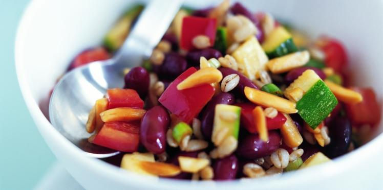 Salade méditerranéenne, amandes et orge