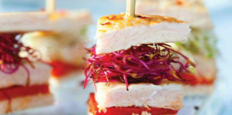 Mini club sandwich de dinde aux pousses de radis