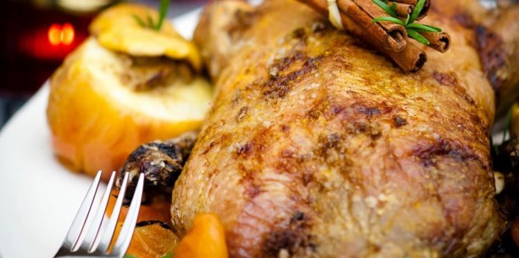 Canard aux fruits secs et pommes au foie gras