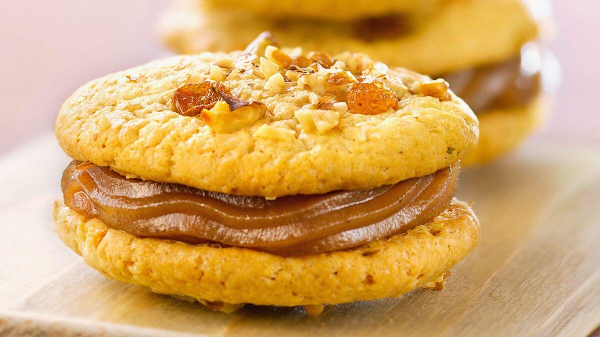 Biscuits aux fruits secs fourrés à la crème de marrons