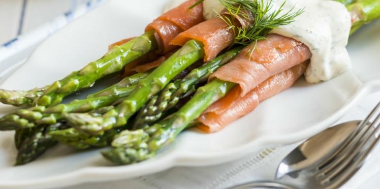 Roulades de saumon aux asperges et au chèvre