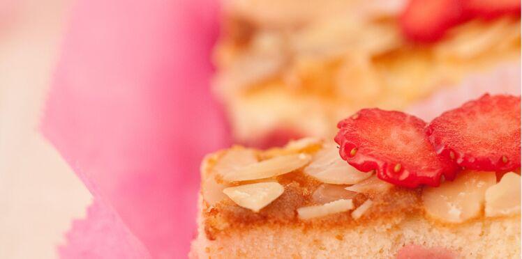 Gâteau sans gluten aux amandes et aux fraises