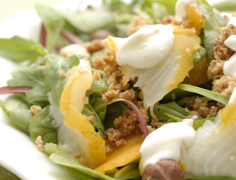 Salade de haddock, crumble de pain d'épices