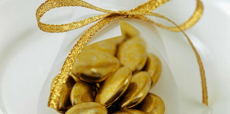 Dragées dorées au chocolat