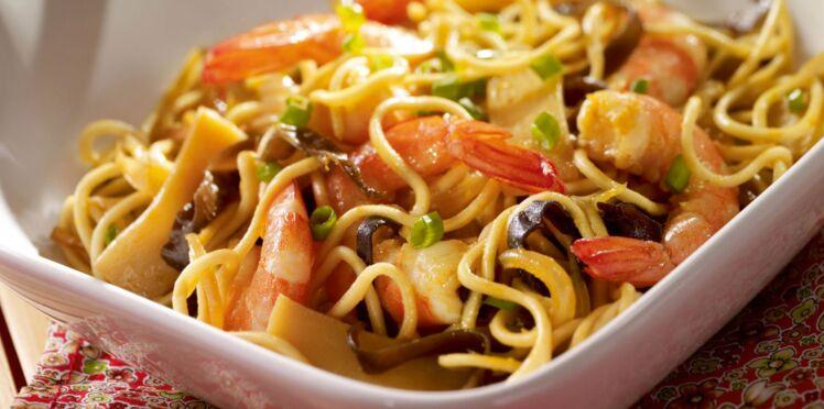 Nouilles aux crevettes et champignons noirs