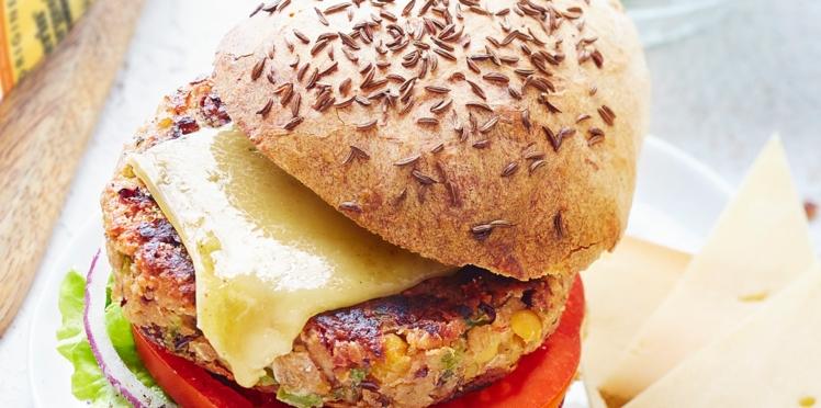 Burger végétarien, steak de légumes au vacherin fribourgeois