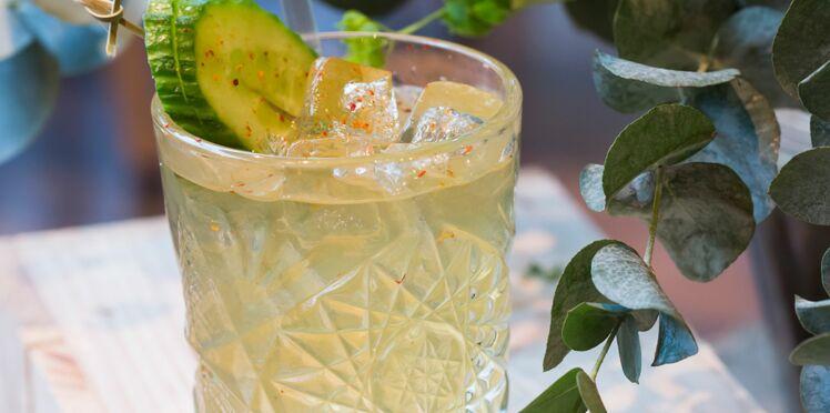 Cocktail à la liqueur Saint germain et au thé vert
