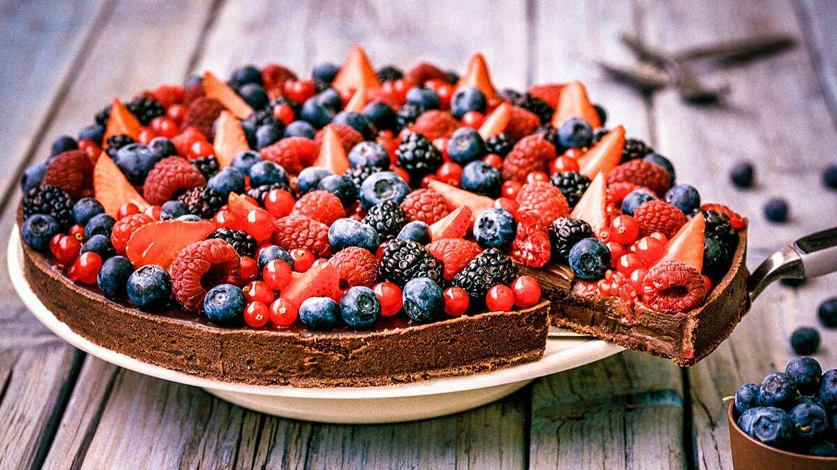 Tarte au chocolat et fruits rouges