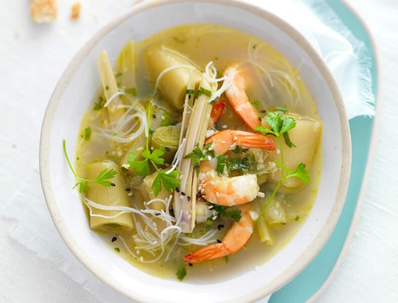 Bouillon thaï aux poireaux, crevettes et citronnelle