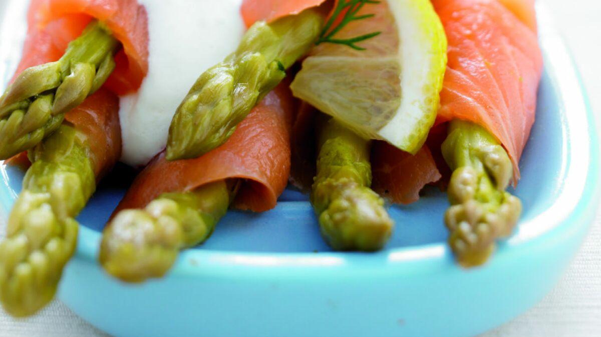 Salade d'asperges au saumon fumé
