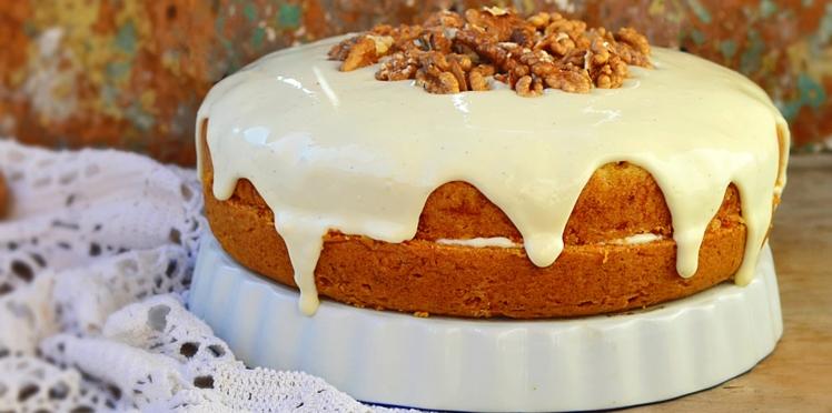 Gâteau aux noix et raisins secs