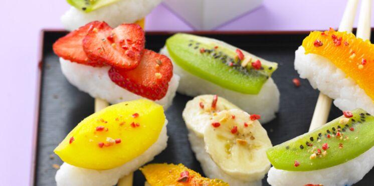 Sushis au lait de coco, chocolat blanc et fruits exotiques
