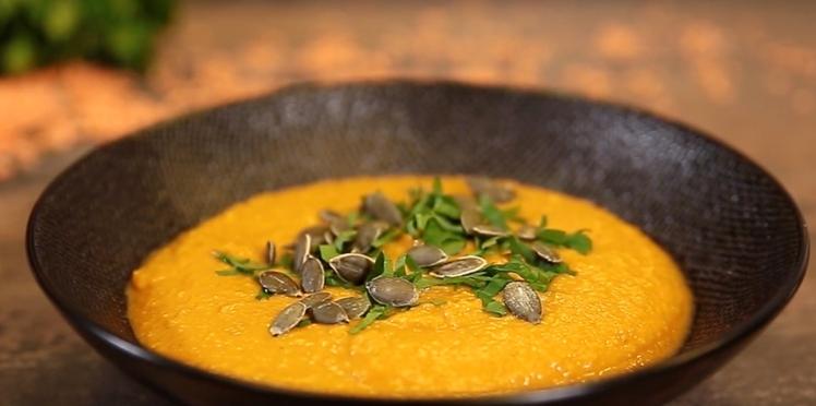 VIDEO : la soupe façon dhal de lentilles aux épices