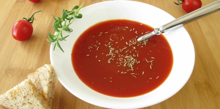 Velouté froid de tomate poivron au romarin