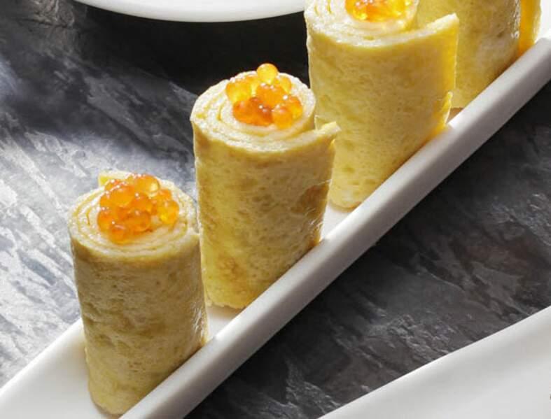 Omelette roulée aux œufs de saumon façon nems