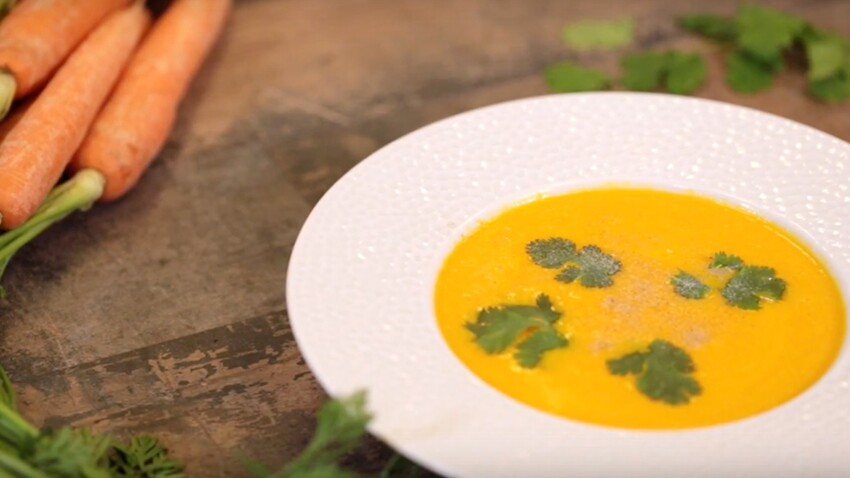 VIDEO : la soupe exotique de carottes, lait de coco et coriandre