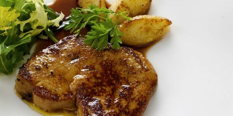 Foie gras frais de canard poêlé aux pommes