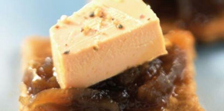 Tartelettes au foie gras et à la confiture d'oignons