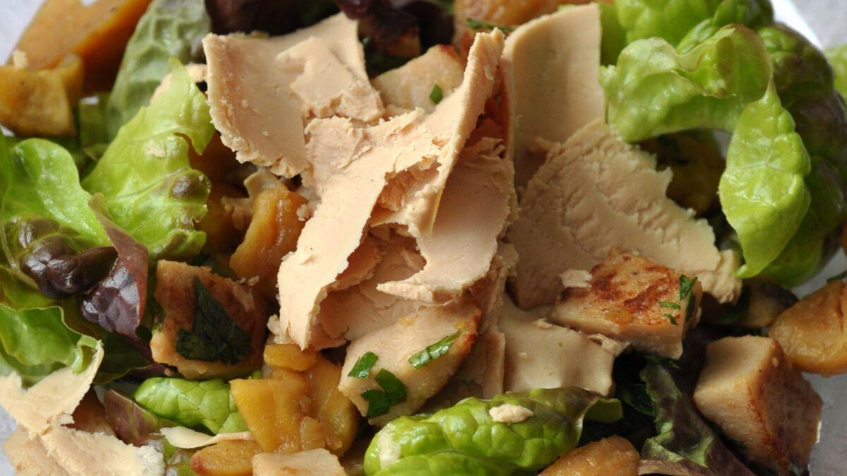 Salade au boudin blanc, châtaignes et foie gras