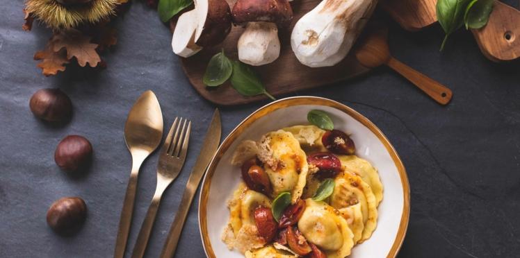 Ravioli Giovanni Rana Cèpes avec sauté de tomates cerises, basilic et tuiles de parmesan émietté