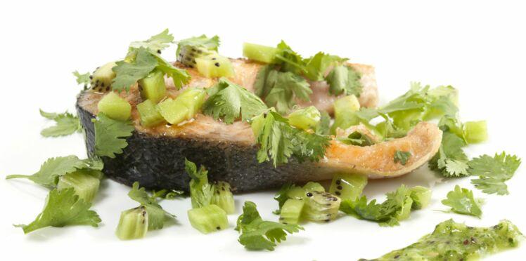 Saumon au coulis de kiwi et à la coriandre