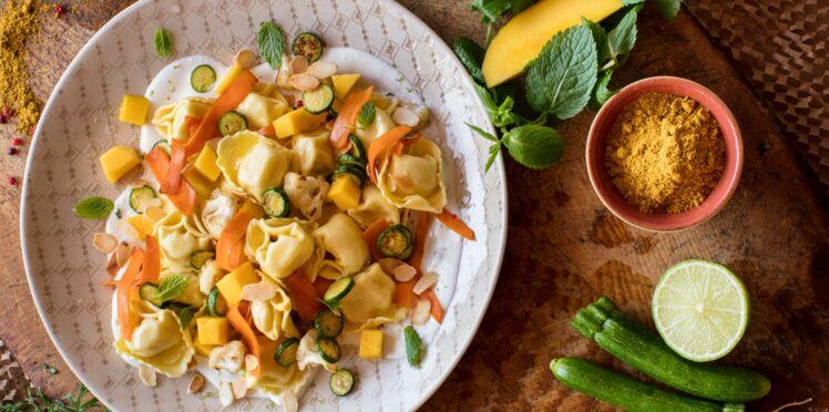 Tortellini poulet au curry & éclats d'amandes cuisinés aux légumes et aux épices