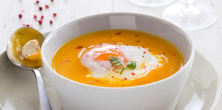 Crème de potiron à l'œuf poché (Au micro-ondes)