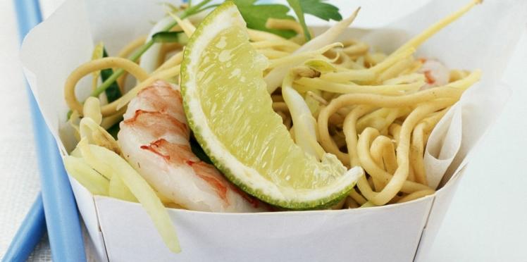 Nouilles chinoises aux crevettes, gingembre et citron vert