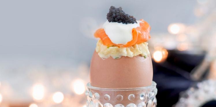 Œufs brouillés, saumon et crème et caviar