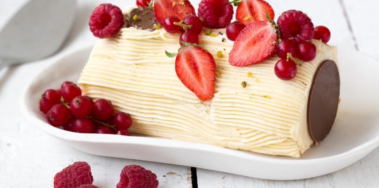 Bûche crème au beurre vanillée et fruits rouges
